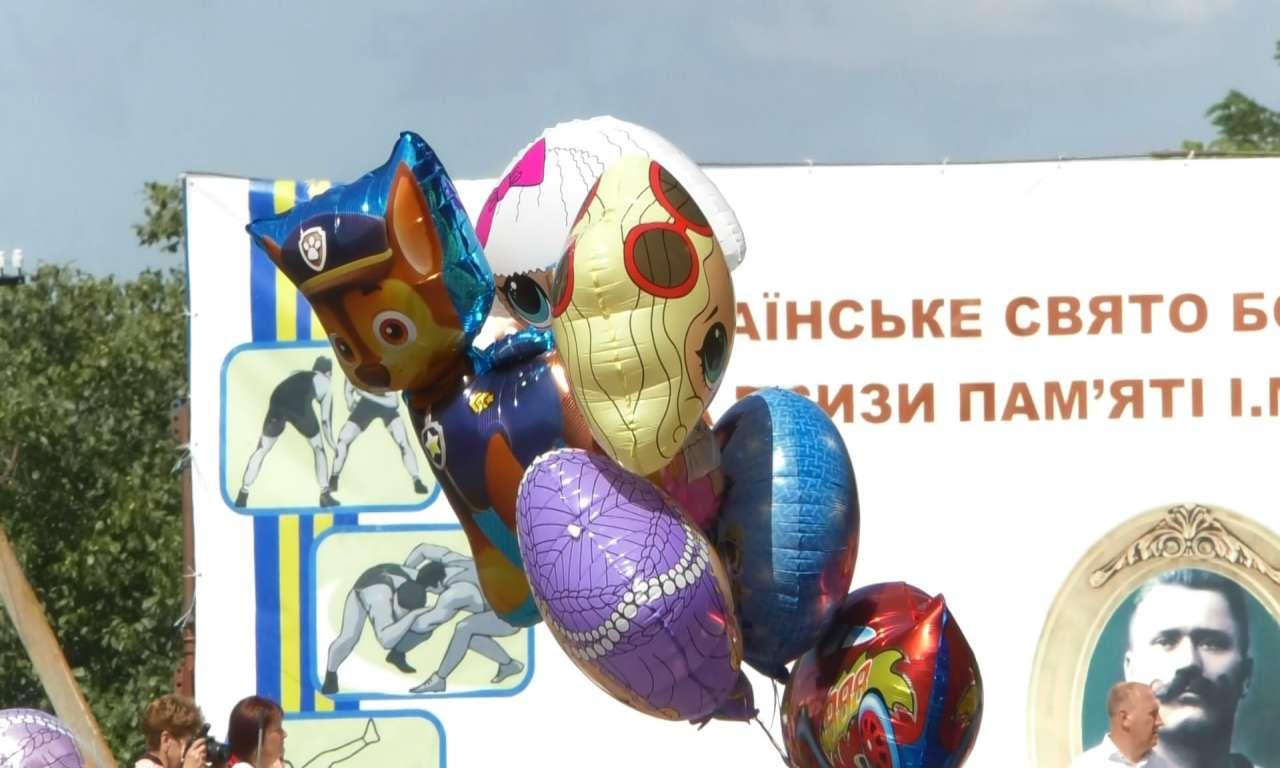 Ярмарок на святі богатирської сили в Красенівці (ФОТО)